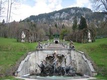 Fuente de Neptuno en el castillo de Linderhof Imagen de archivo libre de regalías