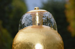 Fuente de oro Imagen de archivo