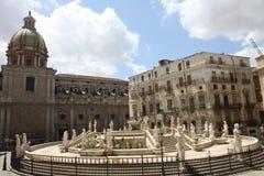 Fuente de Palermo fotos de archivo