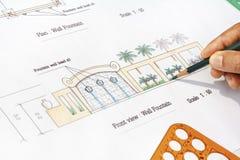 Fuente de pared moderna del diseño del arquitecto paisajista Fotografía de archivo