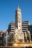 Fuente de莱万特纪念碑喷泉在Plaza de Luceros在阿利坎特摆正 图库摄影