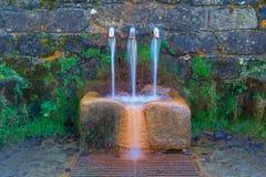 Fuente de Pol Pol en el parque natural de Urkiola en el país vasco foto de archivo libre de regalías
