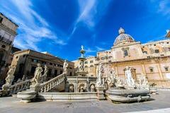 Fuente de Praetoria en Palermo, Italia Imágenes de archivo libres de regalías