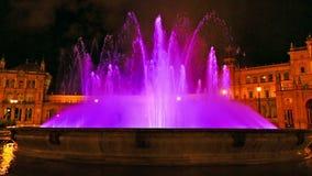 Fuente de Sevilla por noche almacen de video