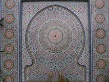 Fuente de Zellij con el mosaico en Griffith Park Conservatory Fotografía de archivo