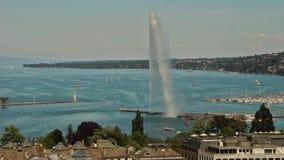 Fuente del agua del ` del jet d y el lago en Ginebra, Suiza, 2016 almacen de metraje de vídeo
