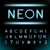 Fuente del alfabeto de la luz de neón ilustración del vector