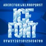 Fuente del alfabeto del hielo Letras y números congelados en fondo azul stock de ilustración