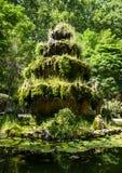 Fuente del bosque en el parque Fotografía de archivo
