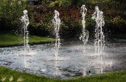 Fuente del jardín del juego del agua Imagen de archivo libre de regalías