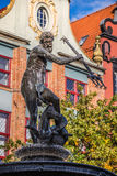 Fuente del Neptuno en la ciudad vieja de Gdansk, Polonia Imágenes de archivo libres de regalías