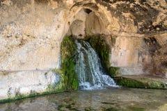 Fuente del Nympheum en el teatro griego de Syracuse Fotografía de archivo