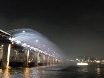 Fuente del puente foto de archivo