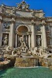 Fuente del Trevi en Roma, Italia fotos de archivo