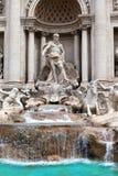 Fuente del Trevi en Roma - Italia. (Fontana di Trevi). Cierre para arriba Foto de archivo libre de regalías