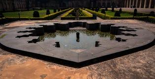 Fuente dentro del fuerte de Bidar en Karnataka, la India fotos de archivo