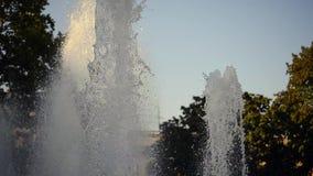 Fuente en ciudad almacen de metraje de vídeo