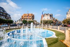 Fuente en Deauville, Francia imagen de archivo