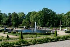 Fuente en el parque de Sanssouci imagenes de archivo