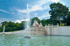 Fuente en el parque de Viena fotografía de archivo libre de regalías
