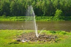 Fuente en el río Ai Fotografía de archivo