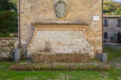 Fuente en la abadía de Farfa Imagen de archivo libre de regalías