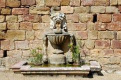 Fuente en la abadía de Fontfroide Imagen de archivo