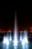 Fuente en la noche Imágenes de archivo libres de regalías