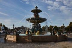 Fuente en la plaza de la Concordia imagen de archivo libre de regalías