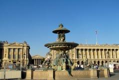 Fuente en la plaza de la Concordia parís francia Imagen de archivo