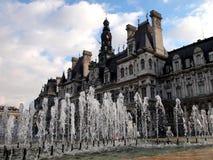 Fuente en París Imágenes de archivo libres de regalías