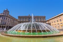 Fuente en Piazza de Ferrari en Génova. Fotografía de archivo libre de regalías