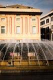 Fuente en piazza de Ferrari en Génova Italia Foto de archivo