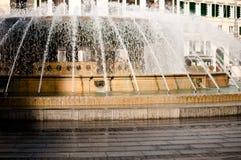 Fuente en piazza de Ferrari en Génova Italia Fotografía de archivo libre de regalías