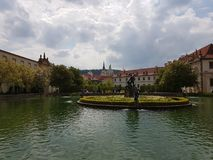 Fuente en Praga Imagenes de archivo