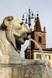 Fuente en Roma, Italia - Piazza del Popolo Imagen de archivo libre de regalías