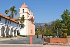 Fuente en Santa Barbara Mission Imagen de archivo