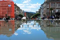 Fuente en una plaza de Portugal Imágenes de archivo libres de regalías