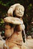 Fuente hermosa de piedra de la mujer de la arena Imagenes de archivo