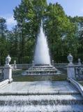 Fuente hermosa en el parque foto de archivo libre de regalías