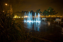 Fuente ligera de la noche Fotografía de archivo libre de regalías