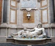 Fuente Marforio, museos de Capitoline, Roma Fotos de archivo