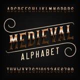 Fuente medieval del alfabeto Letras adornadas del vintage de oro ilustración del vector