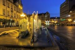 Fuente moderna, vieja plaza del mercado, Wroclaw Foto de archivo