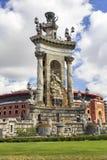 Fuente monumental en la plaza España, Barcelona Foto de archivo