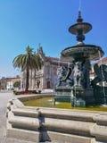 Fuente Oporto cuadrado Sunny Day Fotos de archivo libres de regalías
