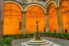 Fuente Palazzo Vecchio Florence Italy del ` s Putto de Verrocchio fotos de archivo