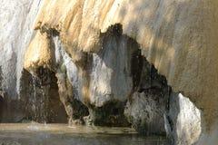 Fuente petrificada de Réotier, Hautes-Alpes francés imagen de archivo
