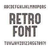 Fuente retra del alfabeto Letras y números apenados ásperos ilustración del vector