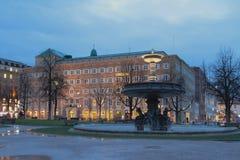 Fuente septentrional en el cuadrado del palacio Stuttgart, Baden-Wurttemberg, Alemania Fotos de archivo